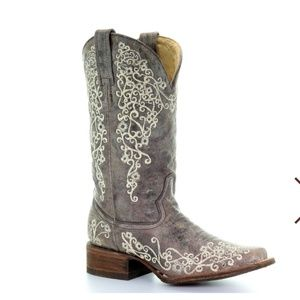 Ariat embroidery boots